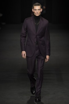 versace-fall-2017-menswear-look-5