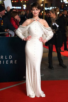 anne-hathaway-in-givenchy-spring-2012-couture
