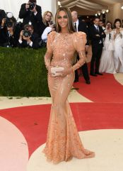 beyonce-in-givenchy