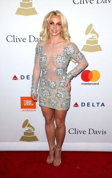 britney-spears-in-uel-camilo-spring-2016-couture-2