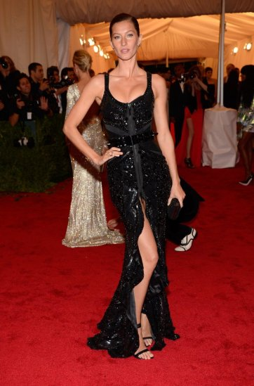 gisele-bundchen-in-givenchy