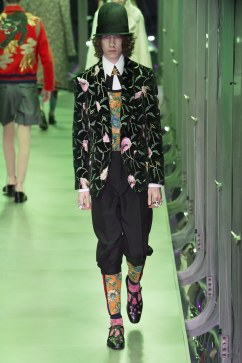 gucci-fall-2017-look-96
