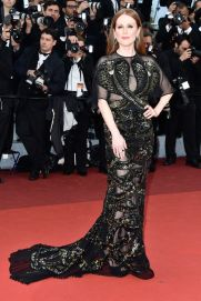 julianne-moore-in-givenchy
