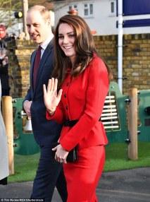 kate-middleton-in-luisa-spagnoli-red-skirt-suit-2