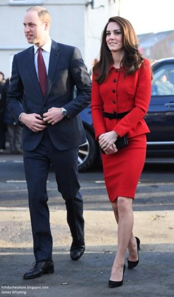 kate-middleton-in-luisa-spagnoli-red-skirt-suit-5