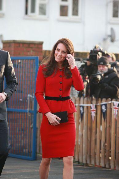 kate-middleton-in-luisa-spagnoli-red-skirt-suit-6