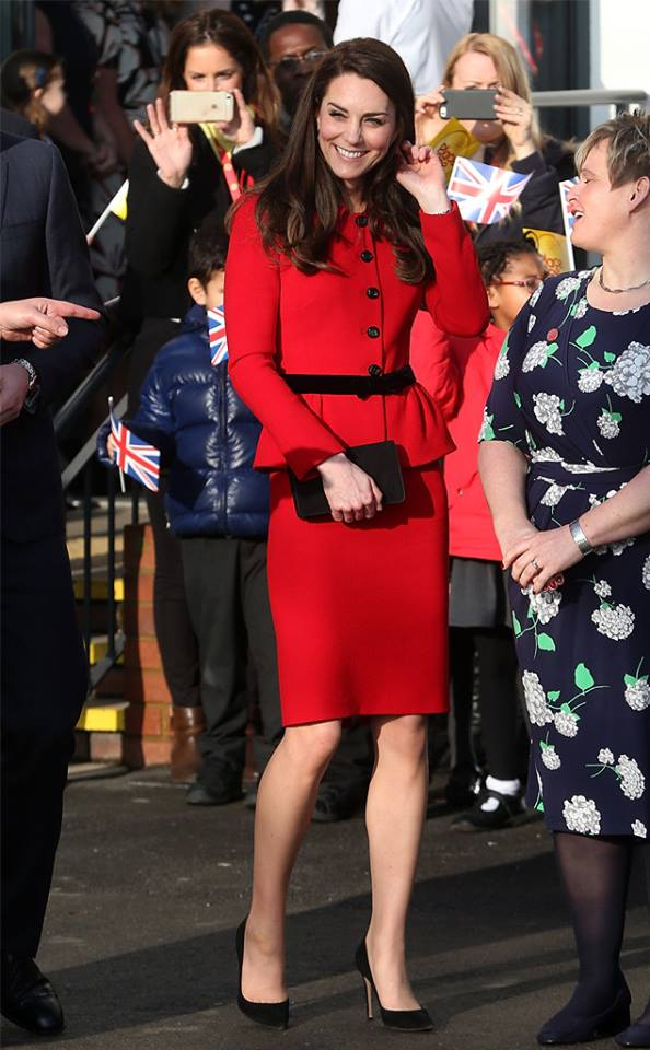 kate-middleton-in-luisa-spagnoli-red-skirt-suit