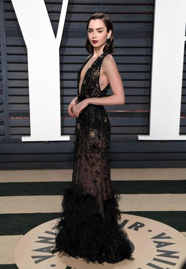 lily-collins-in-elie-saab-fall-2016-couture-1