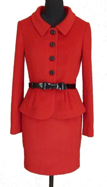 luisa-spagnoli-red-skirt-suit