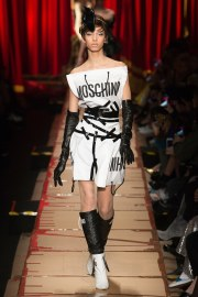 moschino-fall-2017-look-42