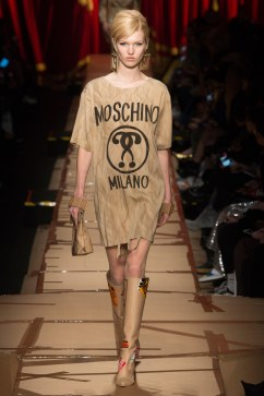 moschino-fall-2017-look-5