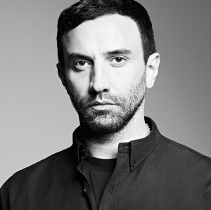 Riccardo Tisci Leaves Givenchy -2017.2.2-