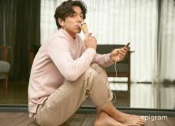 Gong Yoo Epigram Spring 2017 Campaign-15