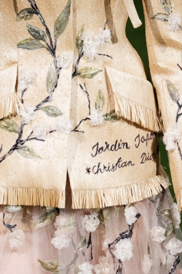 Christian Dior Spring 2017 Couture Tokyo detail-2
