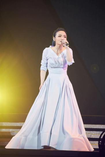 LaLa Hsu in Maticevski Resort 2017