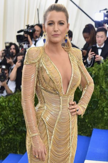 Blake Lively in Atelier Versace-1