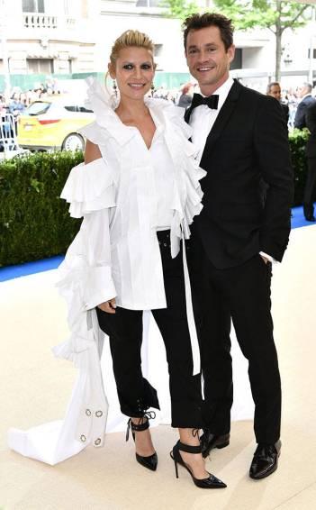 Claire Danes in Mones Fall 2017 with Hugh Dancy