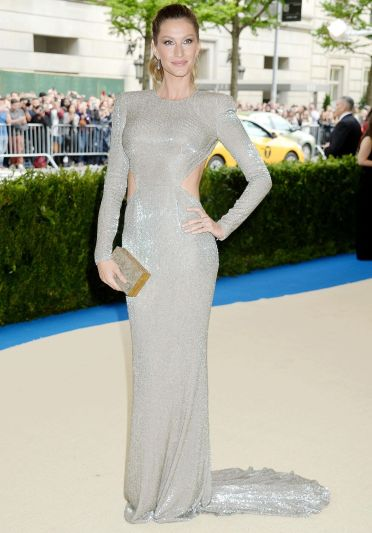 Gisele Bundchen in Stella McCartney-3