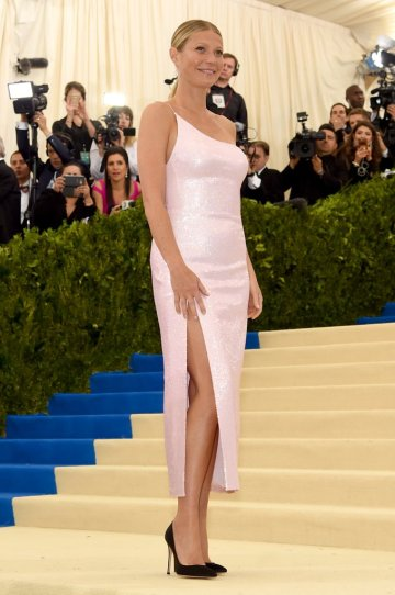 Gwyneth Paltrow in Calvin Klein By Appointment-2