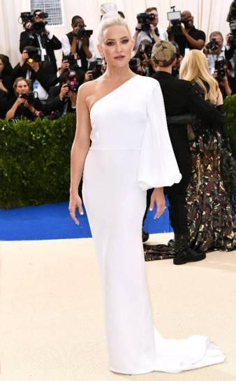 Kate Hudsonin Stella McCartney