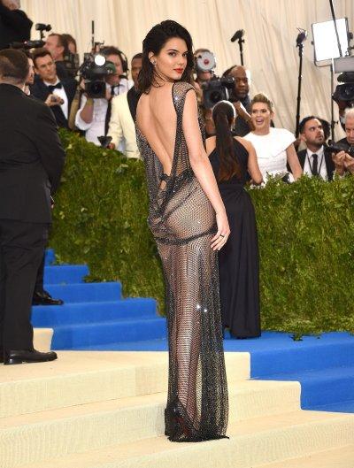 Kendall Jenner in La Perla-1