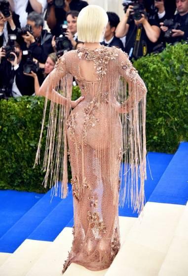 Kylie Jenner in Atelier Versace-2