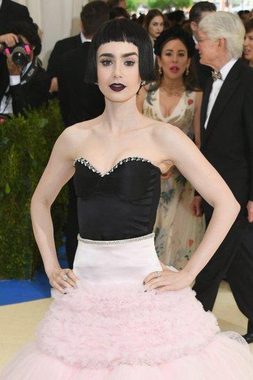 Lily Collins in Giambattista Valli Fall 2016 Couture-1
