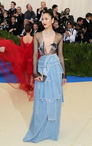 Liu Wen in Off-White-1