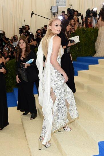 Sophie Turner in Louis Vuitton-1