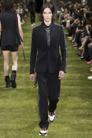 Dior Homme Spring 2018 Menswear Look 10