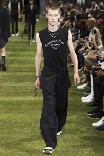 Dior Homme Spring 2018 Menswear Look 12