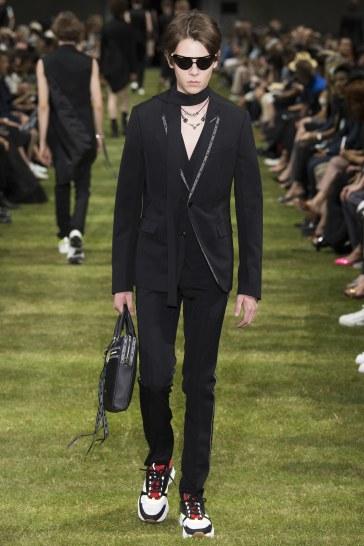 Dior Homme Spring 2018 Menswear Look 13