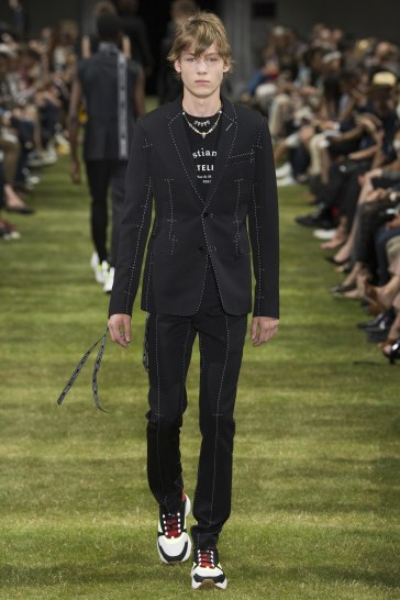 Dior Homme Spring 2018 Menswear Look 14