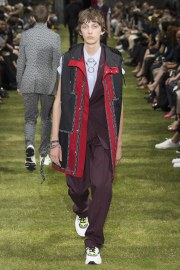 Dior Homme Spring 2018 Menswear Look 23