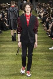 Dior Homme Spring 2018 Menswear Look 29