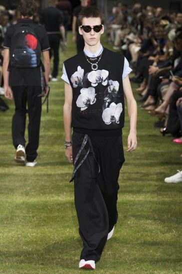 Dior Homme Spring 2018 Menswear Look 39