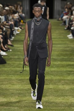 Dior Homme Spring 2018 Menswear Look 6