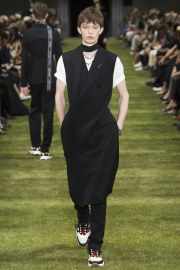Dior Homme Spring 2018 Menswear Look 9