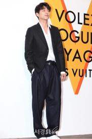 Gong Yoo in Louis Vuitton-2