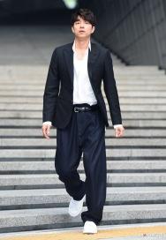 Gong Yoo in Louis Vuitton-3