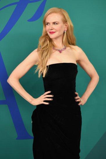 Nicole Kidman in Oscar de la Renta Fall 2017-2
