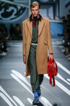 Prada Spring 2018 Menswear Look 31