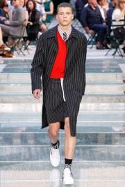 Versace Spring 2018 Menswear Look 1