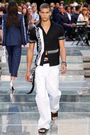 Versace Spring 2018 Menswear Look 13