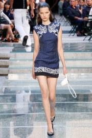 Versace Spring 2018 Menswear Look 14