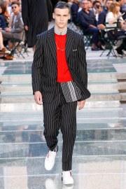 Versace Spring 2018 Menswear Look 2