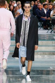 Versace Spring 2018 Menswear Look 24