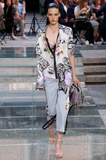 Versace Spring 2018 Menswear Look 25