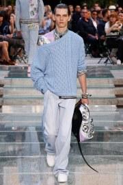 Versace Spring 2018 Menswear Look 27