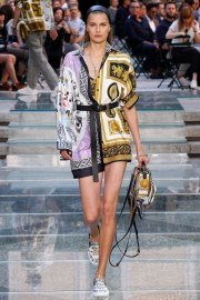 Versace Spring 2018 Menswear Look 30
